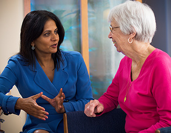 Dr. Sapna Syngal, Director of Research and Director of the Gastrointestinal Cancer Genetics and Prevention Program, consults with a patient regarding her gastrointestinal cancer risk.