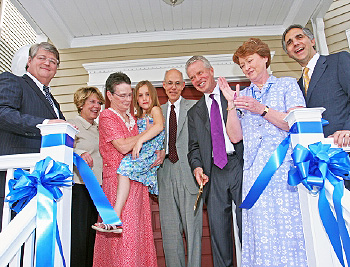The ribbon cutting of Thornton and Naumes Mesothelioma House and The Patrick Thompson Suites opened the doors to patients and families.