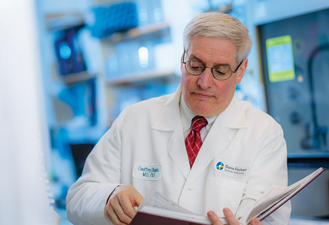 Geoffrey Shapiro, MD, PhD, in his lab
